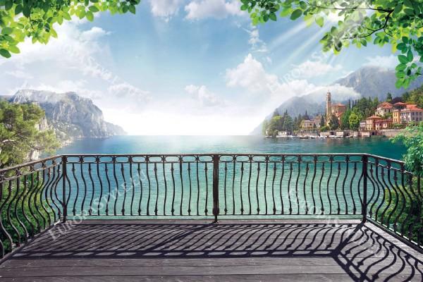 Фототапети красив изглед през метален парапет със крайбрежен град