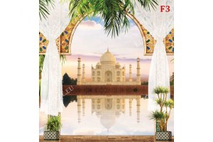 изглед през колони на двореца Тадж Махал