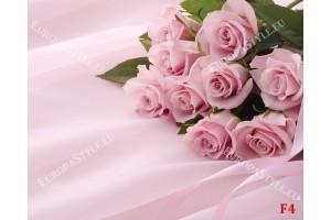 букет от розови рози на сатенена основа