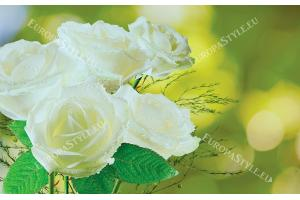 Фототапет букет от бели рози на зелен фон