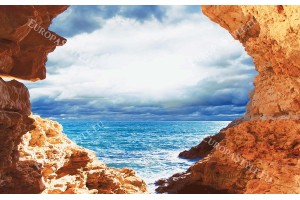 Скали свод морски бряг с красиво небе