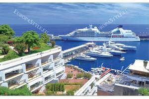 Фототапети изглед голям круизен кораб край Монако