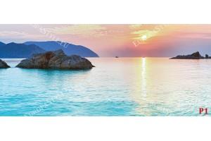 морски изгрев с лазурно море