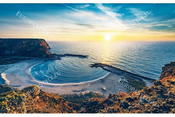 уникален нощен изглед на залива Болата България