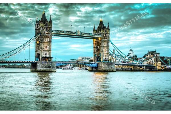 Фототапет моста Тауер Лондон в тюркоазен и лилав цвят
