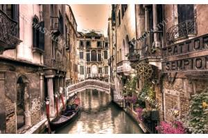 Фототапети традиционна гледка на канал в Венеция