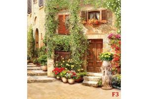 антична улица свод с красиви цветя и саксии