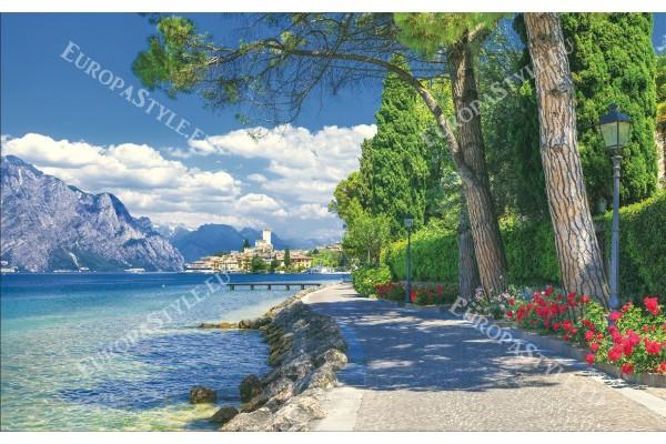 фототапети красива алея с цветя край езеро