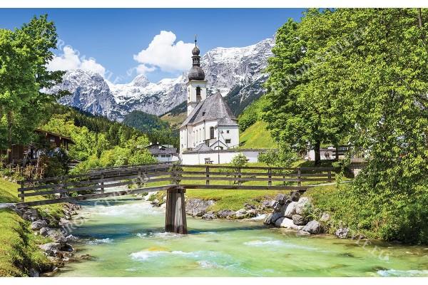 Фототапет красива гледка планина Алпи и църква