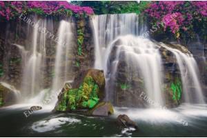 Фототапети прекрасен горски водопад и розови цветя