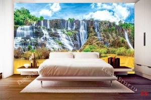 цветен екзотичен водопад в жълти и сини цветове
