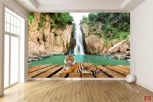 Фототапет красив водопад с платформа и тигър