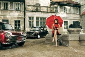 Фототапети изглед автомобили и жена фон сгради