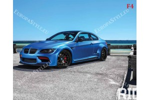 Фототапети син автомобил bmw с морски пейзаж