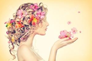 Фототапети жена с цветове на орхидея