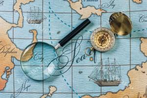 Фототапети морска карта с лупа и компас
