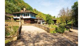 Фототапет прекрасен изглед от етнографски комплекс Етъра