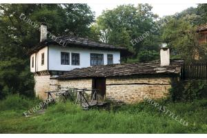 Фототапети стара селска българска къща
